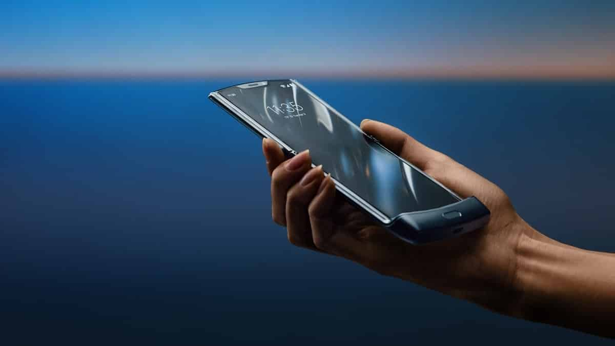 Motorola обещава да пусне светкавични флагмански телефони през 2020