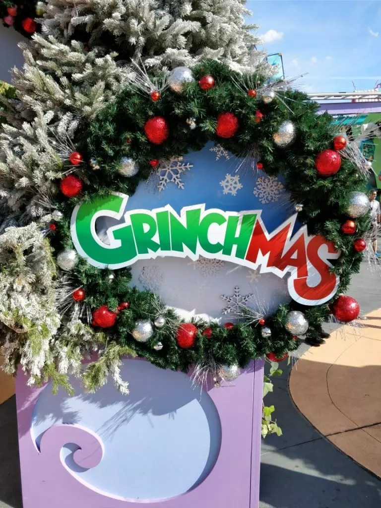 Celebrating The Holidays With A Universal Orlando Christmas Smart Mouse Travel