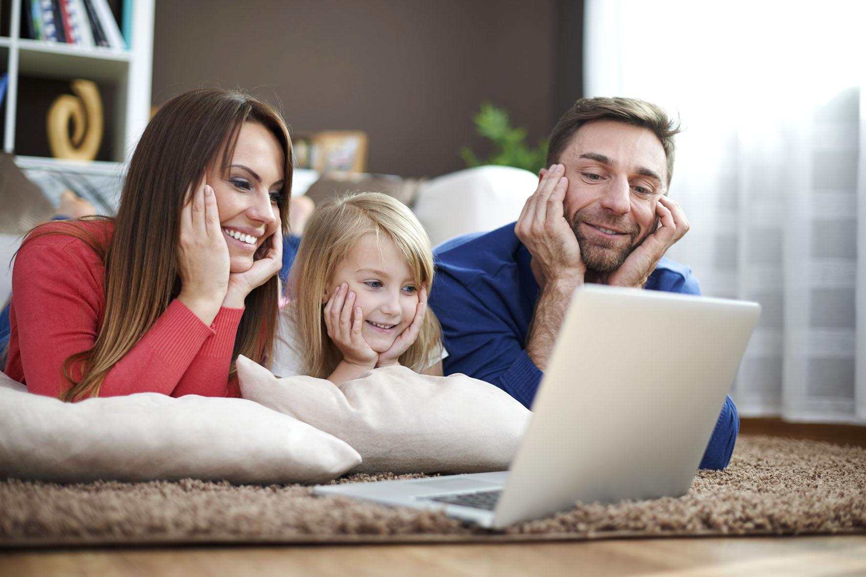 Das Leben spielt sich zunehmend im Internet ab - entsprechend groß sind mittlerweile allerdings auch die Gefahren aus dem Netz.