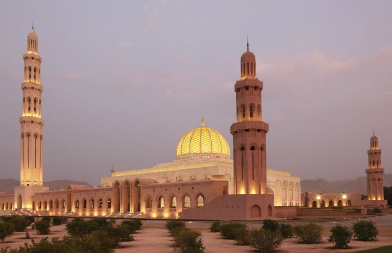 Grand-Moschea-by-Night-Muscat1