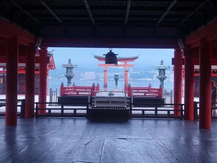厳島神社の参拝中の写真その3
