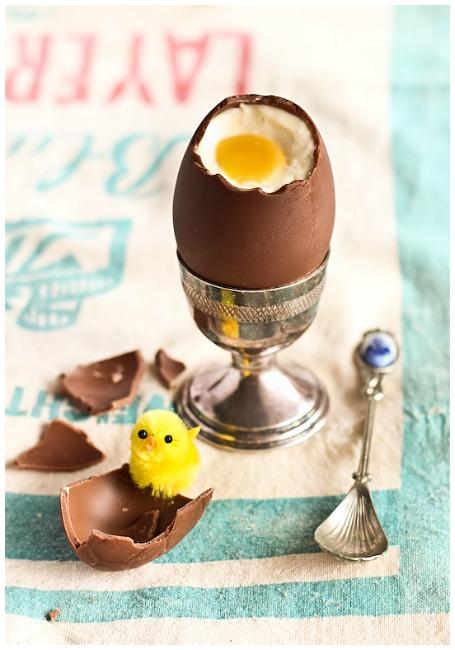 Chocolate egg cheesecake