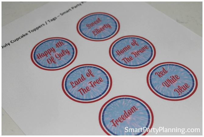 Print out of the 4th of July cupcake toppers