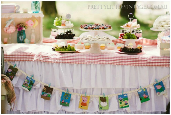 Peppa Pig Party Food Table