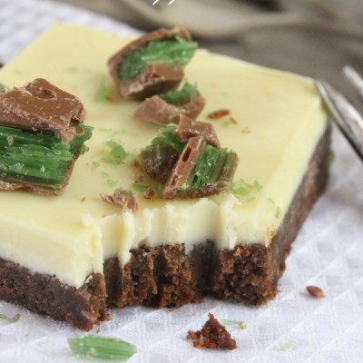 The Most Amazing And Easy White Chocolate Peppermint Slice