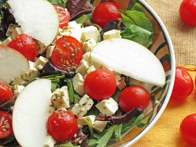 Easy Feta Apple Salad I Smart Party Planning