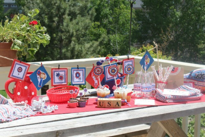 Patriotic party table set up