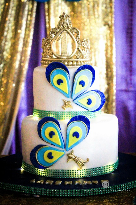 A peacock birthday party is perfect for the little girl that loves her glitz and glamour. With it's radiant color palette mixed with gold tones, it will impress girls of all ages. As far as girls party ideas go, this one has to be one of the fanciest. What would the birthday girl dress in? The outfit this party girl dressed in is sensational.