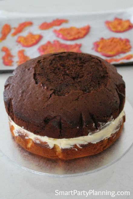 cake-with-icing-filling