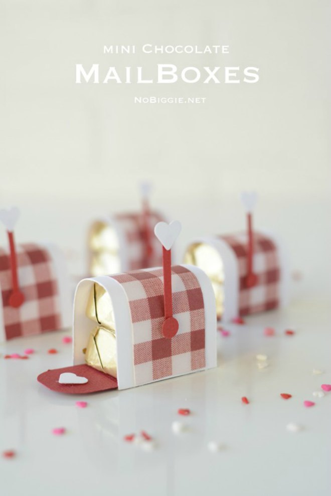 Mini chocolate mailboxes