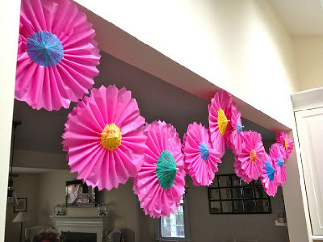 Plastic tablecloth flower garland