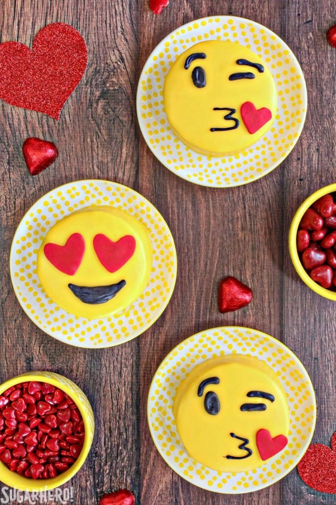Emoji party cakes