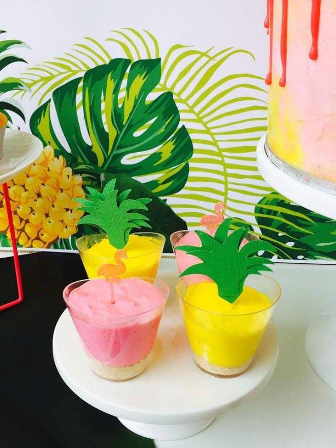 Flamingo party desserts
