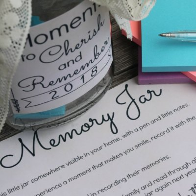 How To Make A Memory Jar (With Free Printable)