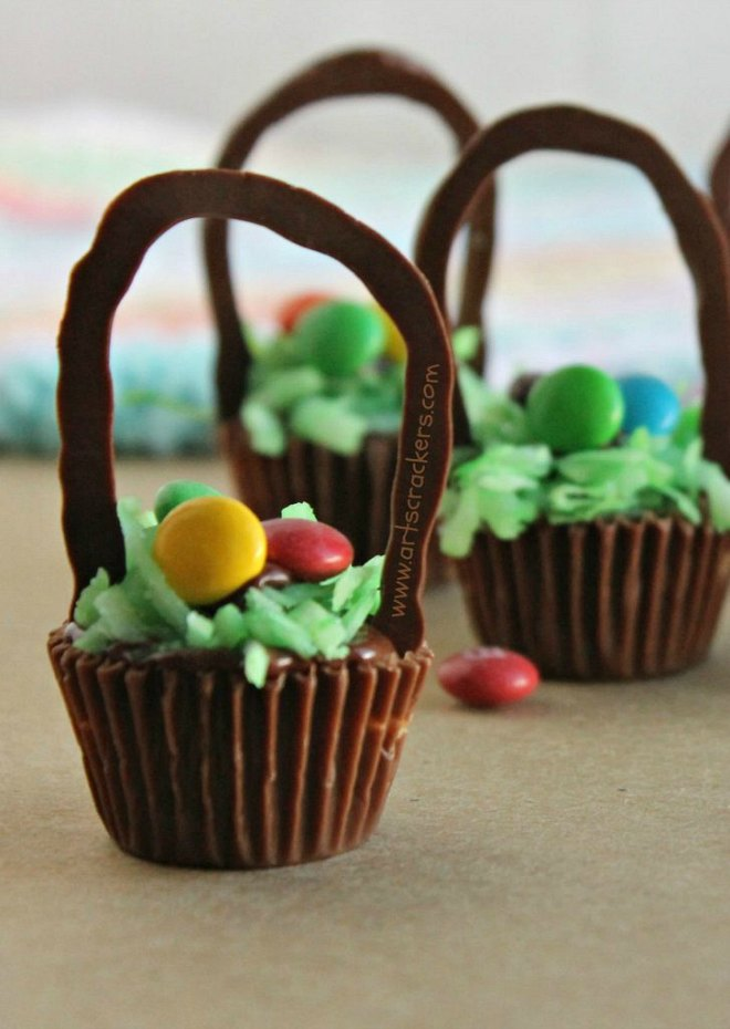 Easter basket cups