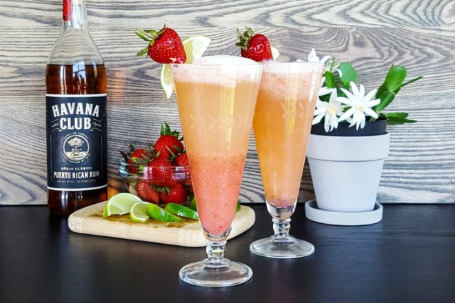 Strawberry dauquiri bellini