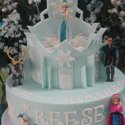 How To Create An Easy Frozen Party The Girls Will Love