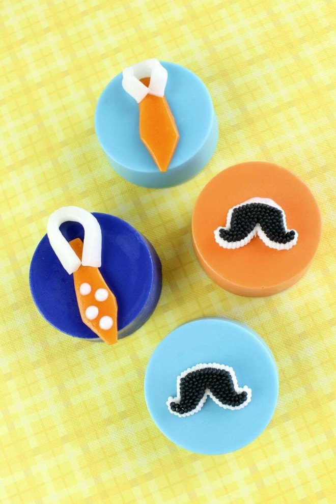 Fathers day mustache and tie cookies