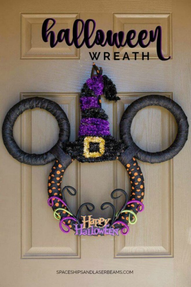 disney-mickey-mouse-halloween-wreath