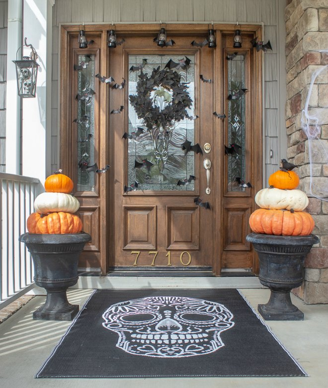Spooky Halloween front door ideas