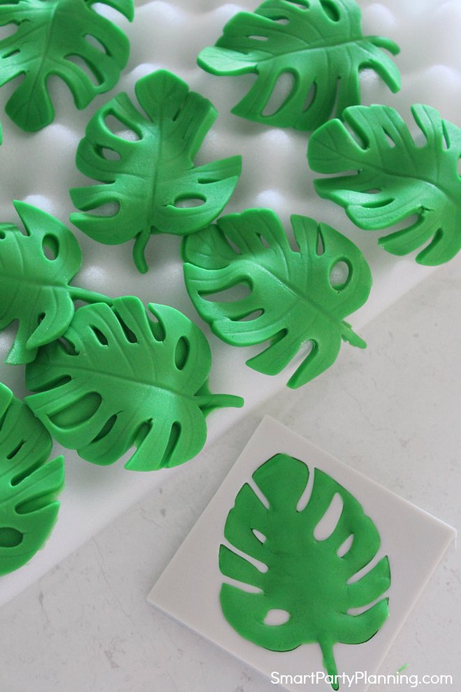 Tropical leaves in fondant silicon mold