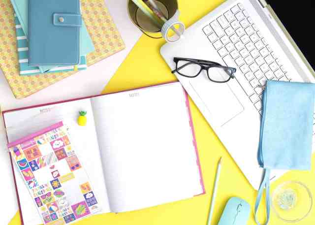 TOP bloggers answer the question how to make MONEY from blogging