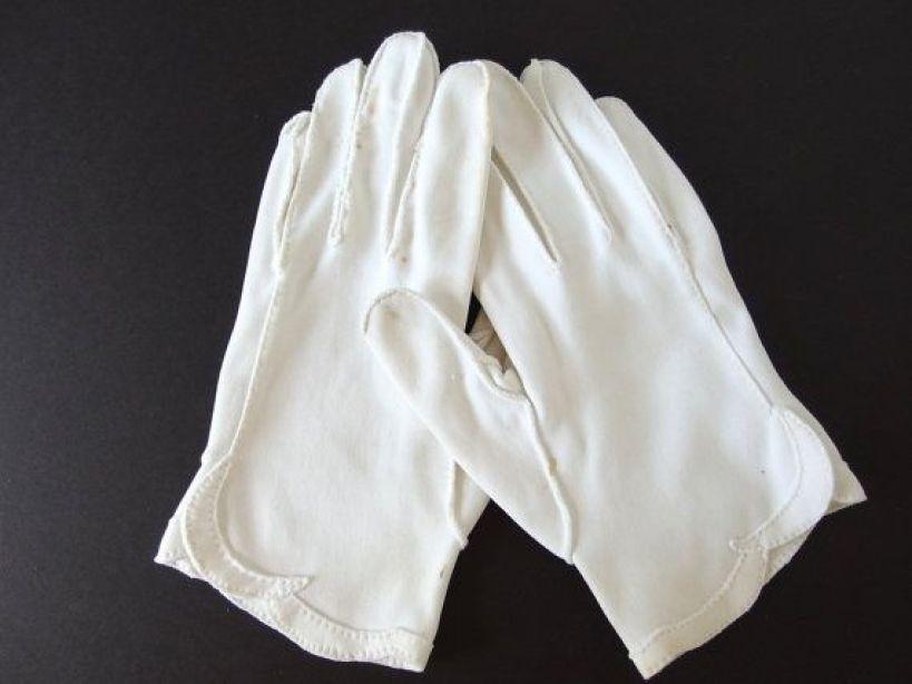 soft fabric gloves