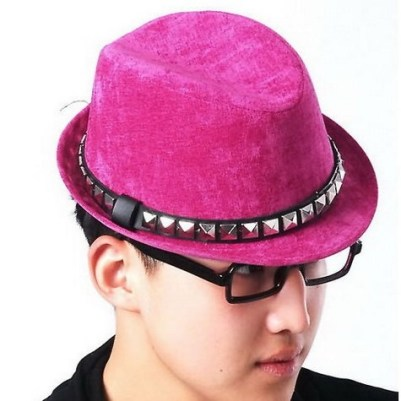 Guy in pink fedora hat