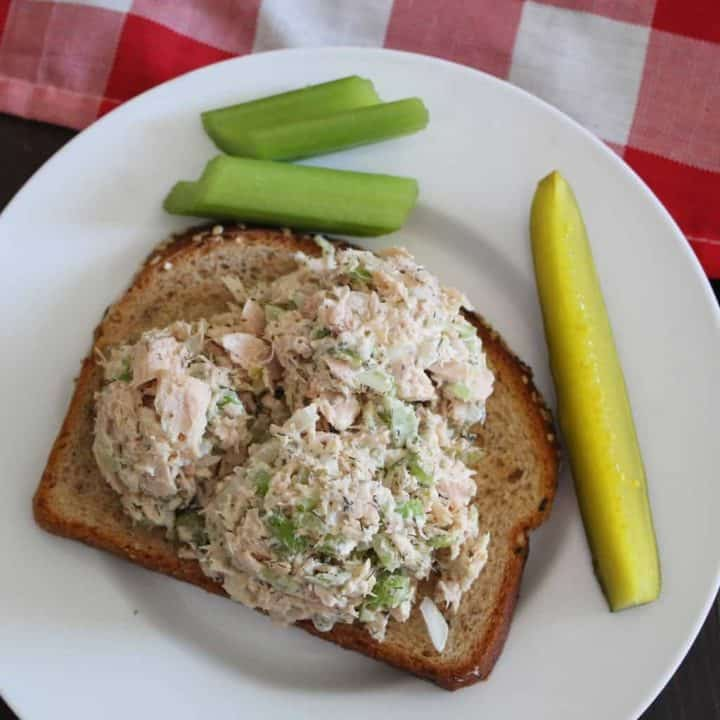 Dill Tuna Salad on Bread