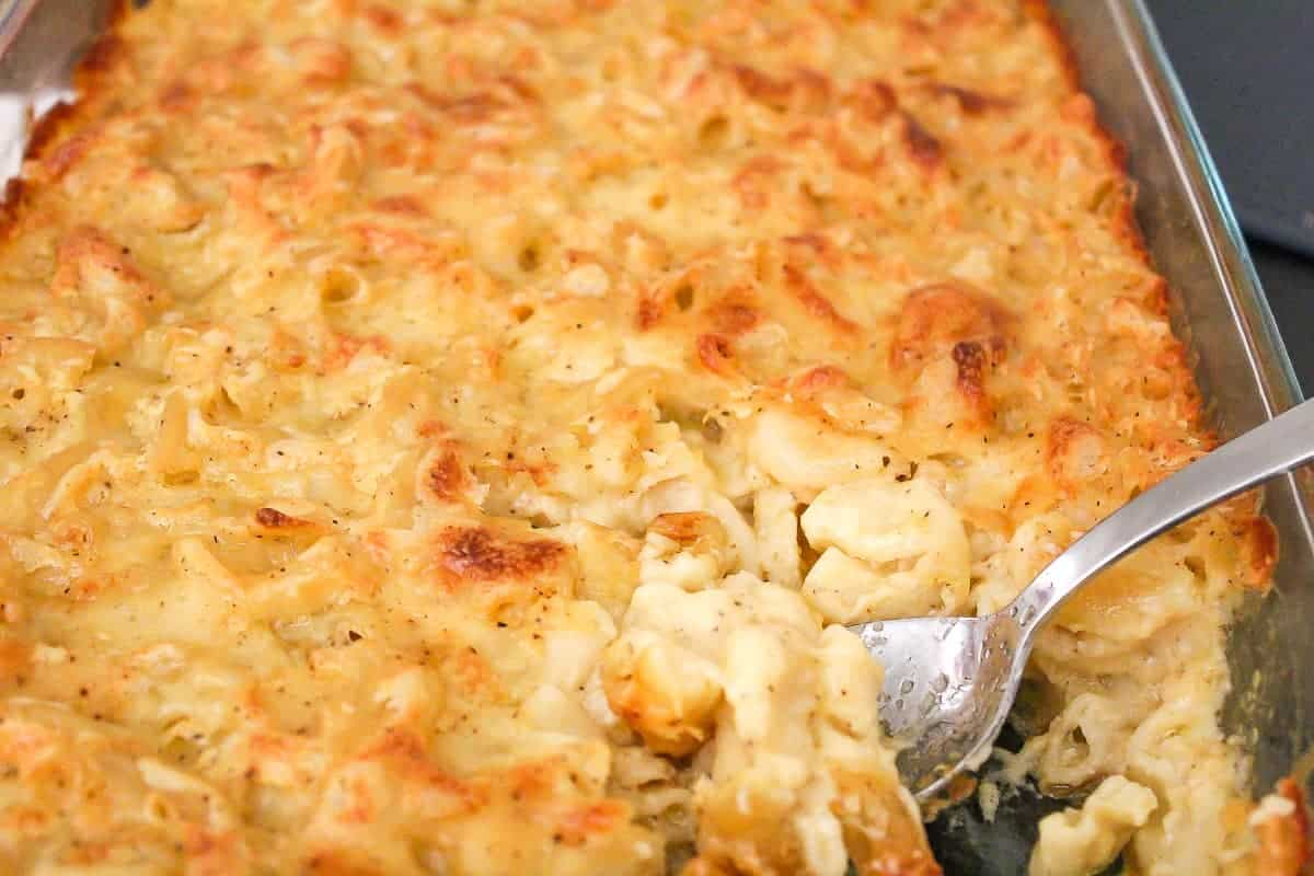 Baked Macaroni and Cheese with crispy topping