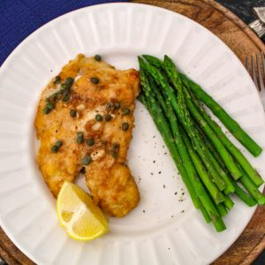 Lemon chicken piccata with asparagus