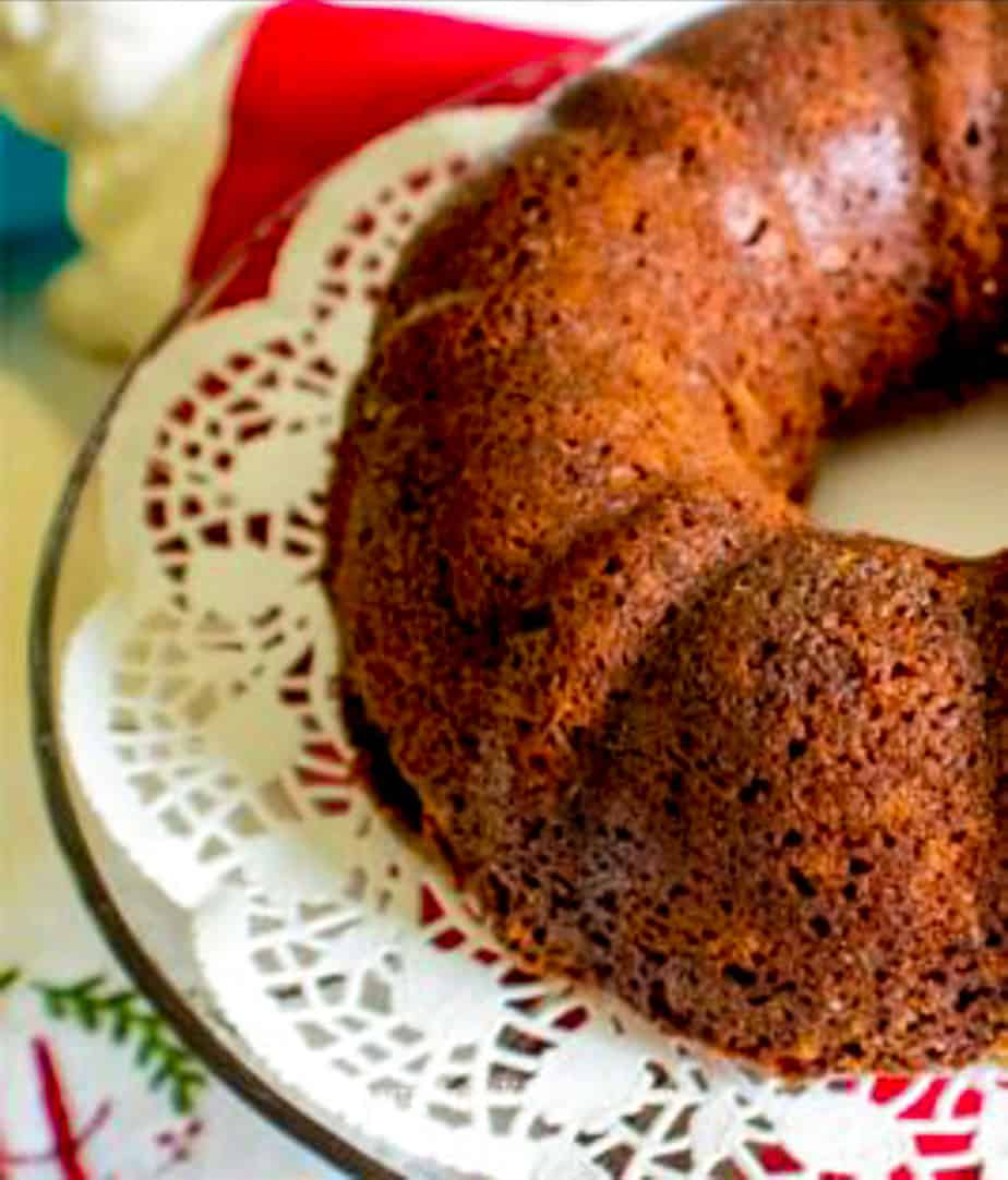 Gingerbread cake on decorative plate.