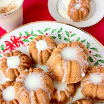 Mini eggnog cakes on Christmas plate.