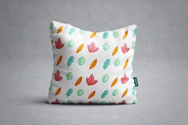 free-pillow-mockup-03