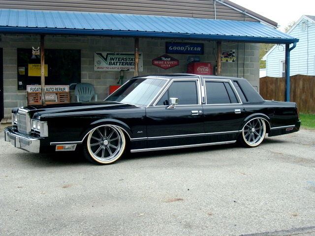 Lincoln Town Car With Vogue Tires