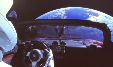 A Tesla just got launched into space and you can view its video feed | T3