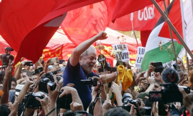 Brazil Lula supporters camping outside prison 'won't go until he is free' | Morning Star