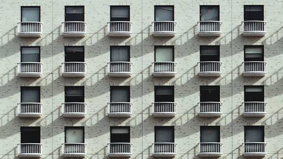 वाइल्ड पार्टी: खिड़की पर संबंध बना रहे थे कपल, 9वीं मंजिल से गिरे