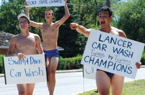 Gallery: Boys Swim & Dive Car Wash
