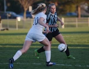 Girl's Varsity Soccer Falls to SM West