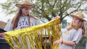 Gallery: Building Sophomore Lancer Day Float