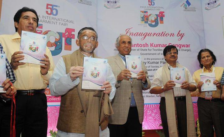 'Entire Indian Textile Industry can Learn from Success of Gujrat based Garment Manufacturers'