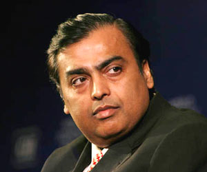 Reliance Industries Net Profit up by 12.5%