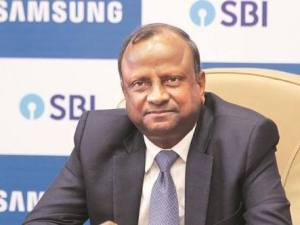 SBI Chief Gives a Deadline for ATM Cash Crunch