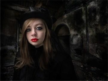 17.Alice - Peter Siviter_resize