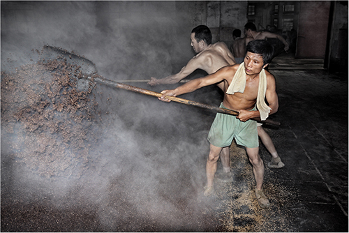 Chinese distillery workers - Paul Keene