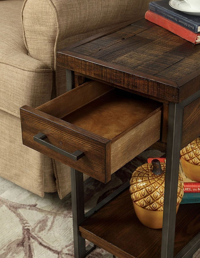 dundalk side table w usb outlet