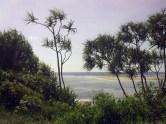 Scorcio di oceano, brividi sotto il sole bollente; Tiwi, Kenya