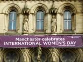 Manchester celebra le donne