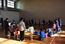 円陣サッカー①.jpg